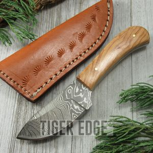 Damascus Olive Wood Handle Skinning Hunting Knife Display Men'S Gift