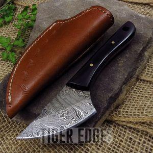 FIXED-BLADE HUNTING KNIFE Damascus Steel Real Black Horn Handle Skinner DM-1127