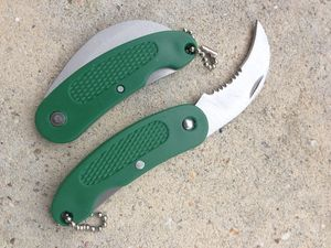 Folding Pocket Knife | Mini Green Silver Serrated Curved Blade Keychain Edc 6